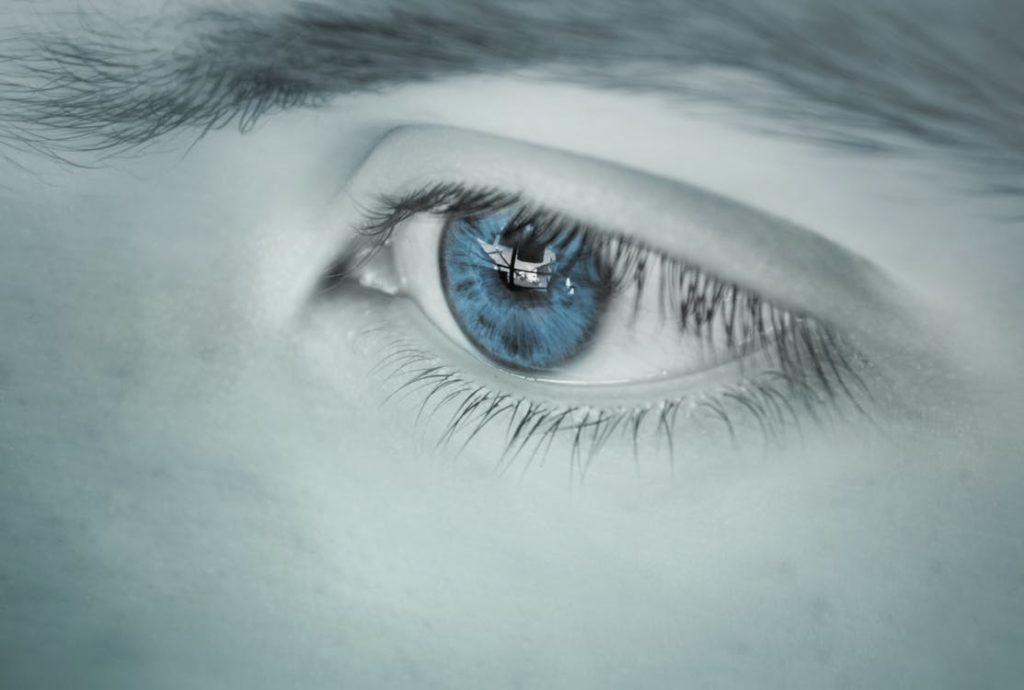 Zespół suchego oka a noszenie soczewek kontaktowych